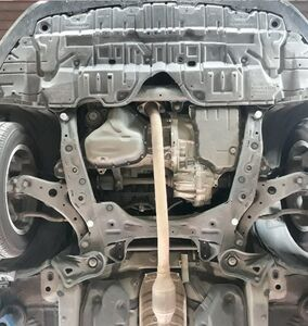 Защита двигателя Toyota Camry 55 - фото №5